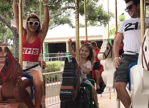 Mirella Santos, Valentina e Wellington Muniz (Foto: Reprodução/Instagram)
