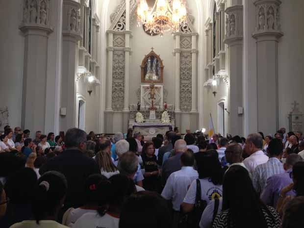 Igreja lotada durante velório (Foto: Ruan Melo/ G1)
