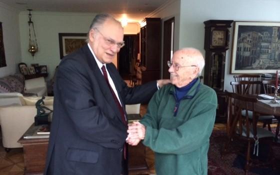 O deputado federal Roberto Freire em encontro com Hélio Bicudo (Foto: Divulgação)