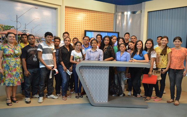 Projeto Conheça Nossa Casa da TV Tapajós recebe alunos do Sistema de Ensino Amazon  (Foto: Priscila Miranda)