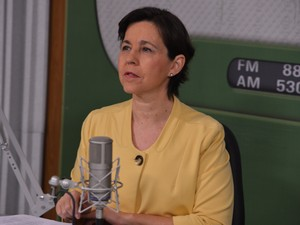 "Ministra Tereza Campello fala sobre o Bolsa Família no programa ""Bom dia, ministro"" (Foto: Agência Brasil)"