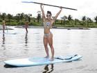 Aline Riscado exibe silhueta perfeita em dia de exercícios na água