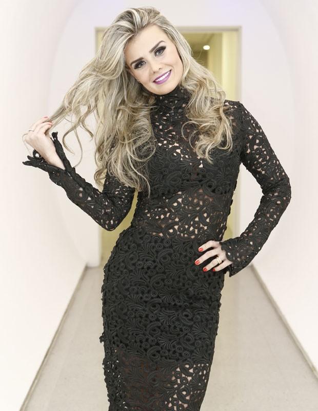Ex-bailarina Ivonete dá dica final para as concorrentes (Foto: Inácio Moraes/Gshow)
