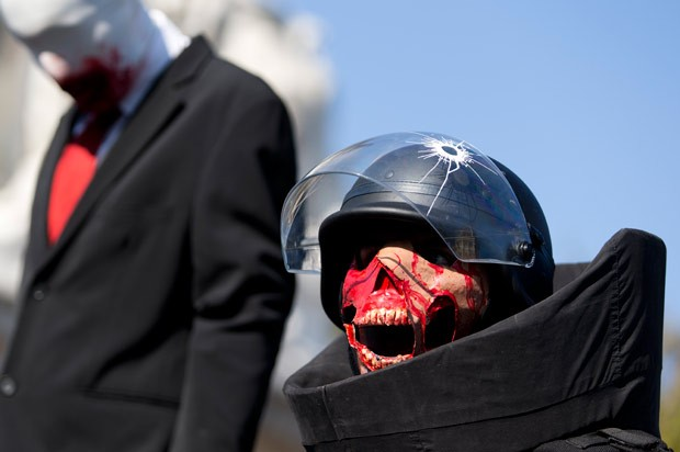 Tradicional evento ocorreu em Paris (Foto: Kenzo Tribouillard/AFP)