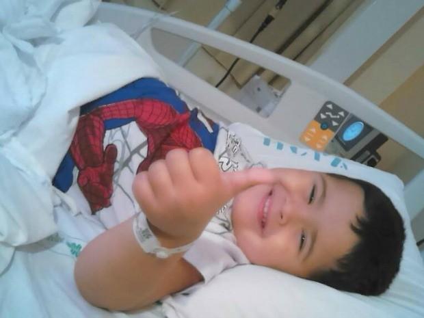 Nos últimos dias, garoto passou a sofrer com os sintomas da quimioterapia (Foto: Viviane Cunha/Arquivo Pessoal)