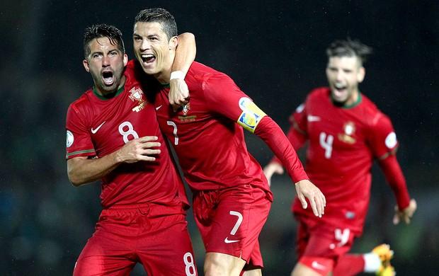 Cristiano Ronaldo faz três e garante a virada de Portugal na Irlanda ... 0ed75c264b493