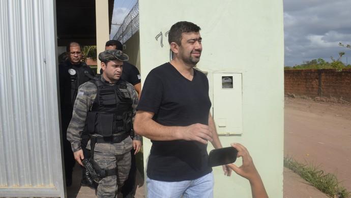 Presidente do Santos/AP é preso (Foto: Dyepeson Martins/G1-AP)