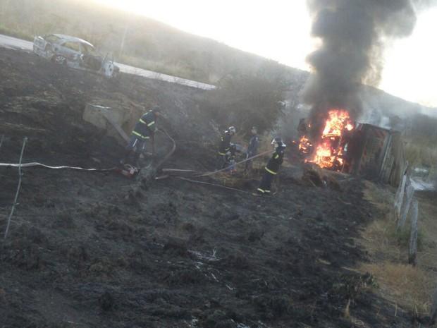 Acidente ocorreu a tarde de domingo (17), em Riachão das Neves (Foto: Edivaldo Braga/ blogbraga)