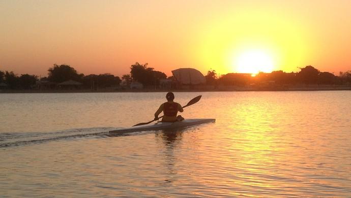 Priscila se divide entre canoagem e aulas de capoeira (Foto: Vilma Nascimento/GloboEsporte.com)