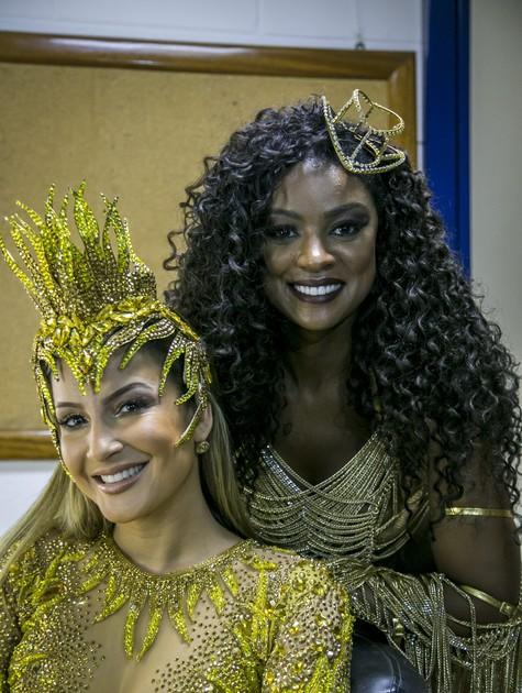 Claudia Leitte e Cris Vianna  (Foto: Paulo Belote/ TV Globo)