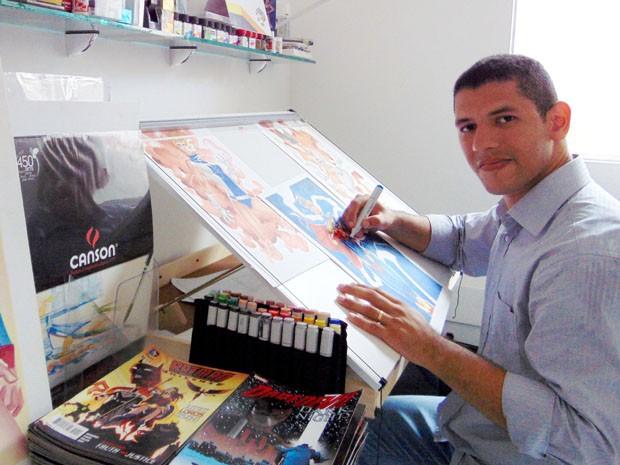 Thony Silas ilustra quadrinhos da Marvel e da DC Comics de casa, no Grande Recife (Foto: Thony Silas / Arquivo pessoal)