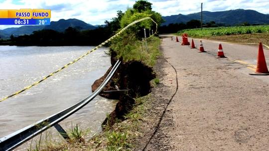 Erosão em rodovia de Candelária avança e preocupa moradores
