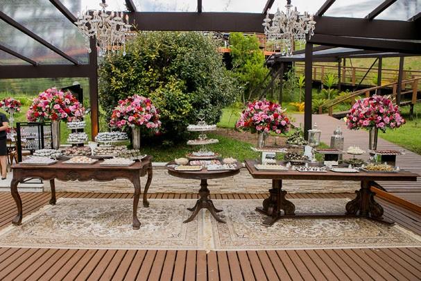Mesas ao ar livre (Foto: Divulgação)