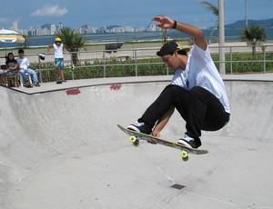 Kelvin Hoefler, skatista bicampeão mundial, Guarujá (Foto: Bruno Gutierrez / Globoesporte.com)