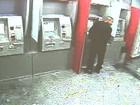 Falha em cabelo identifica suspeito que invadia banco e furtava armas