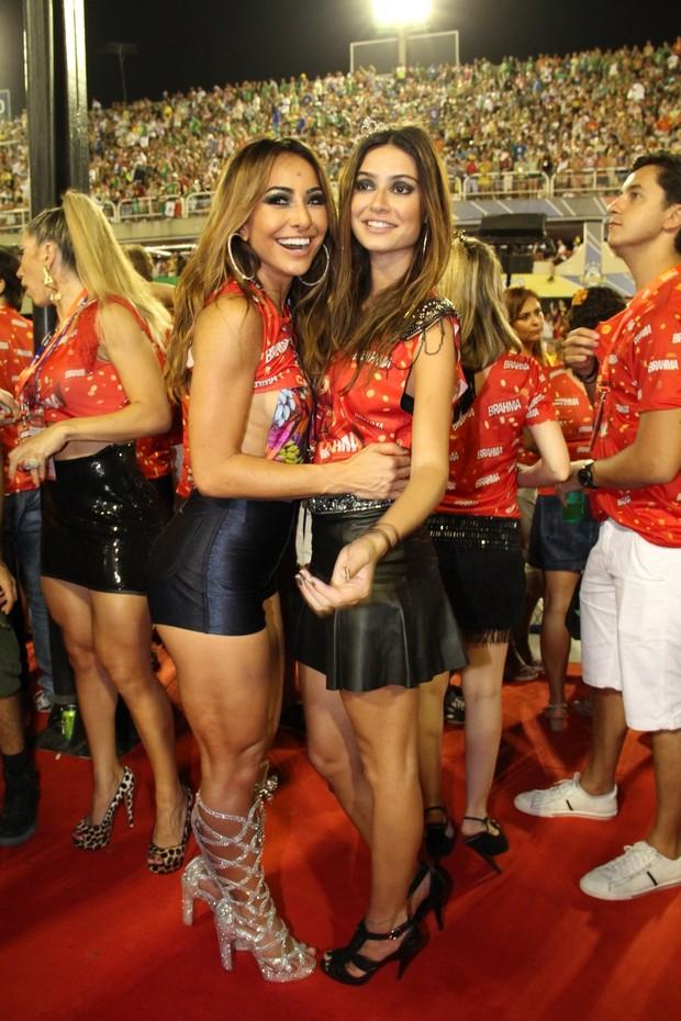 Sabrina Sato e Tayla Ayala  (Foto: Movimento Fixo/AgNews)
