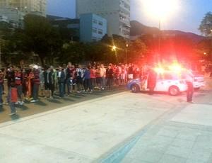 Filas a menos de meia-hora do início do clássico entre Flamengo e Botafogo (Foto: Vicente Seda)