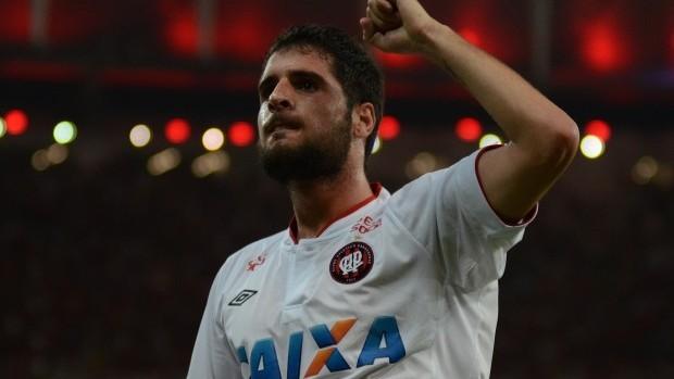 Fran Mérida, meia do Atlético-PR (Foto: Site oficial do Atlético-PR/Bruno Baggio)