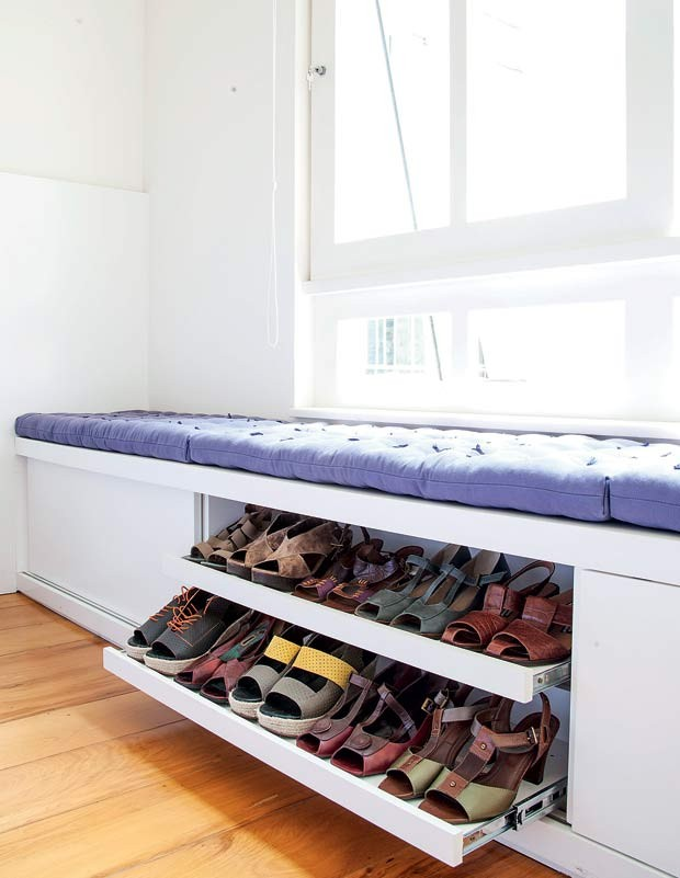quarto-bau-janela-MDF-laqueado-branco-movel-sapatos-futon-banco (Foto: Maíra Acayaba/Editora Globo)
