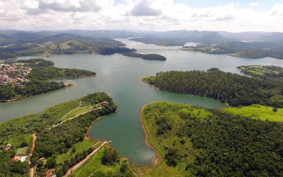 Vista aérea da represa Atibainha, na cidade de Nazaré Paulista, no interior de São Paulo, que faz parte do Sistema Cantareira (Foto: Luis Moura/WPP/Estadão Conteúdo)