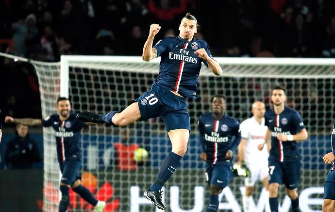 Ibrahimovic comemora gol do PSG contra o Nantes (Foto: Agência Reutes)