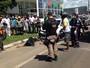 Motociclista colide na lateral de carro, é arremessado e atinge ciclista no PI