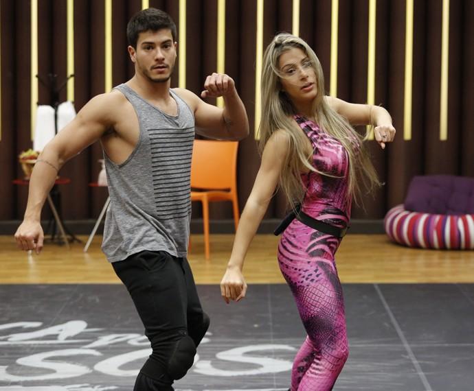 Arthur Aguiar e Mayara Araújo (Foto: Fábio Rocha / Gshow)