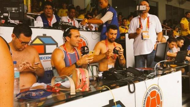 BLOG: Muito calor? Asprilla mostra jornalistas argentinos sem camisa antes de jogo