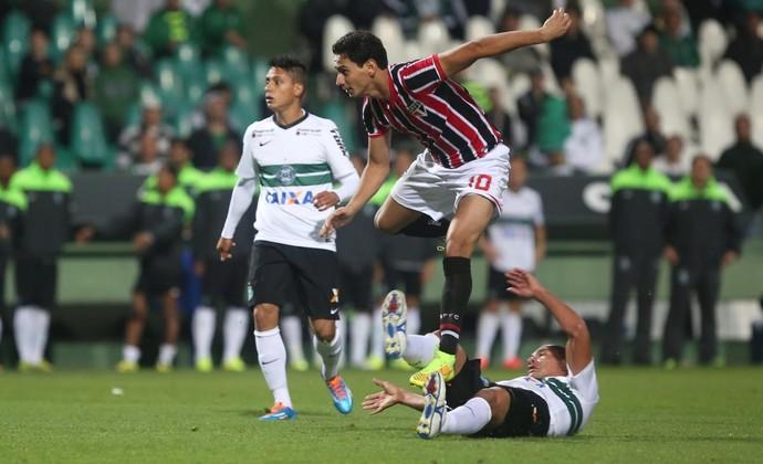 Ganso Coritiba x São Paulo (Foto: Rubens Chiri/saopaulofc.net)