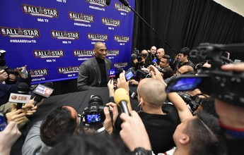 """Tietado em coletiva, Kobe curte seu último All-Star: """"Estou realmente feliz"""""""