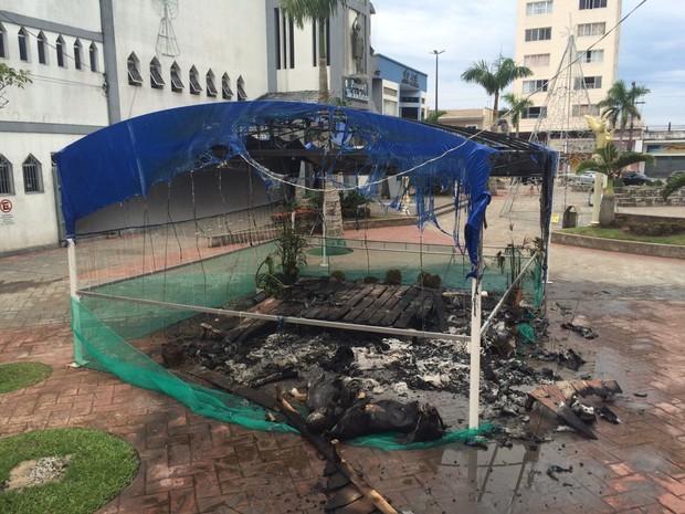 Testemunhas acreditam que incêndio foi criminoso (Foto: Vinicius Kepe / G1)