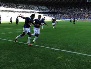 Léo gol lance do jogo entre Cruzeiro e América-MG (Foto: Mauricio Paulucci)