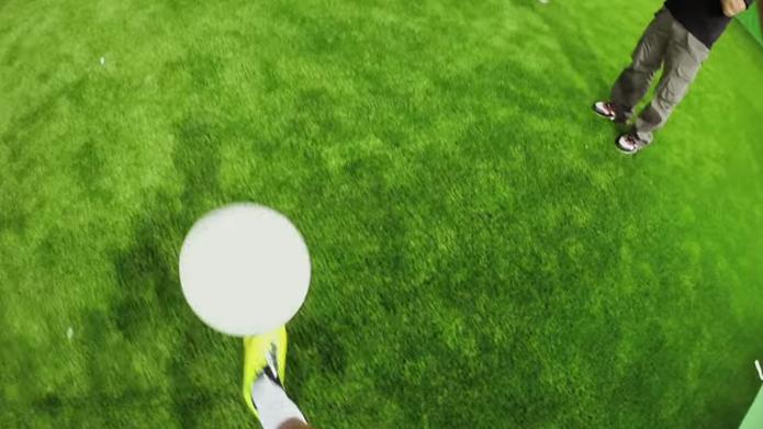 Câmera registra o que Neymar vê ao jogar futebol (foto: Reprodução/YouTube)