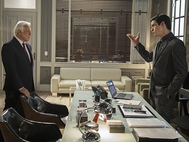 César acredita que Félix quer humilhá-lo com a contratação de Anjinho (Foto: Estevam Avellar/TV Globo)