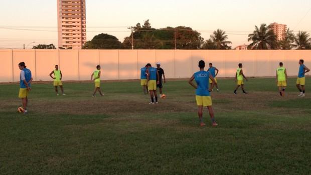 Genus treina para enfrentar o Nacional-AM (Foto: Diogo Nolasco/TV Rondônia)