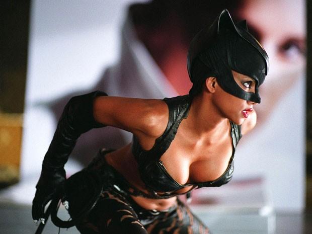 Halle Berry em 'Mulher gato' (Foto: Divulgação)