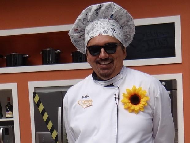 Cantor Falcão durante prova que o levou para a Panela de Pressão (Foto: Mais Você / TV Globo)