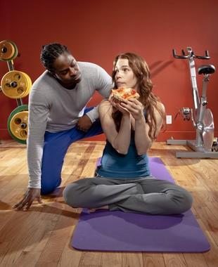 Mulher exercício alimentação pizza euatleta (Foto: Getty Images)