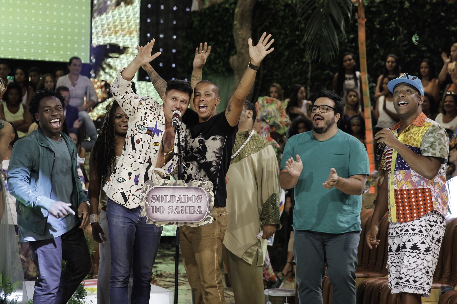 O elenco do 'Esquenta!' no quadro 'Roleta Musical'. (Foto: Crédito: Globo / João Januário)