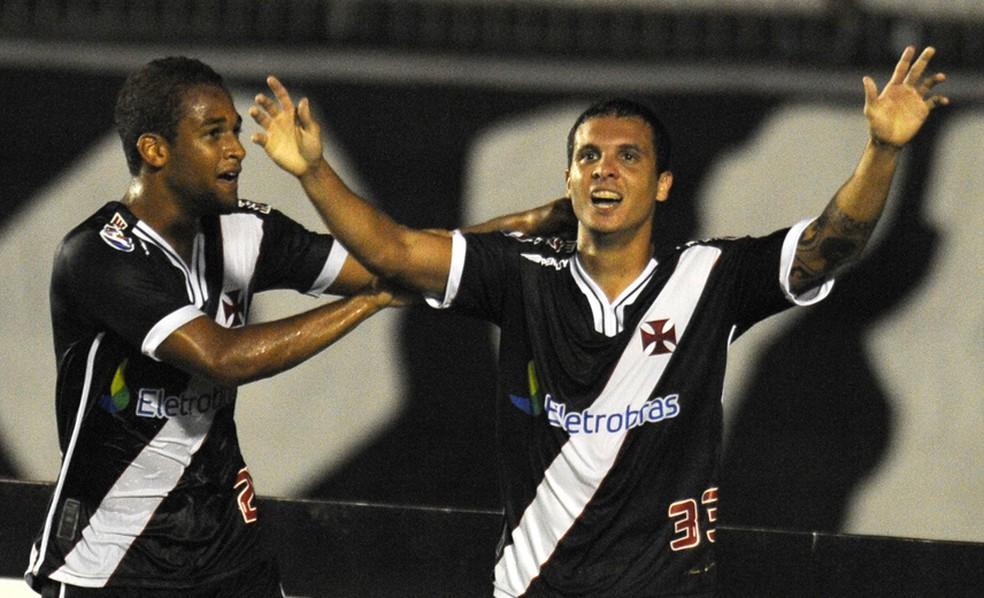 Ramon comemora gol em sua primeira passagem pelo Vasco (Foto: Divulgação / Vasco.com.br)
