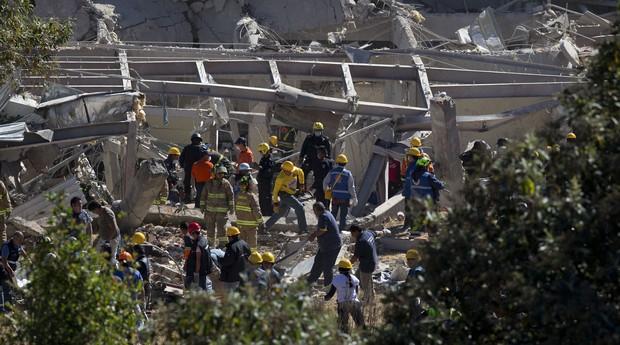 Explosão em maternidade no México. Pelo menos sete pessoas morreram (Foto: AP Photo/Rebecca Blackwell)