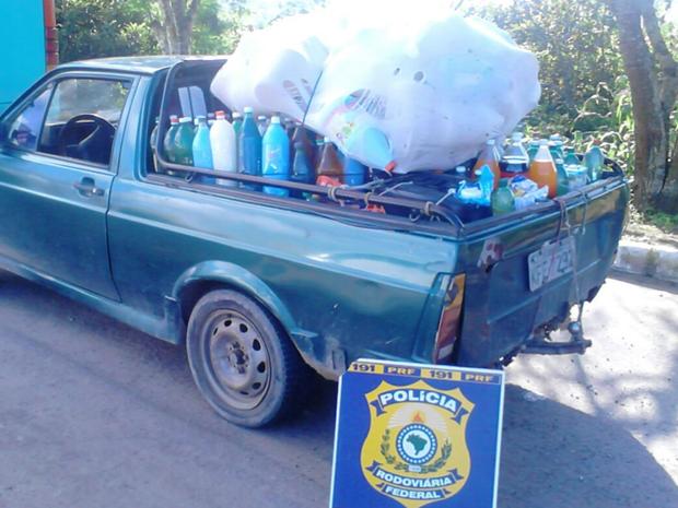 Dono do material foi encaminhado à Delegacia da Polícia Civil no município (Foto: Divulgação/PRF)