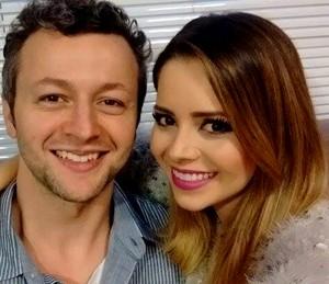 Sandy e o marido Lucas Lima nos bastidores do Superstar (Foto: Arquivo Pessoal)