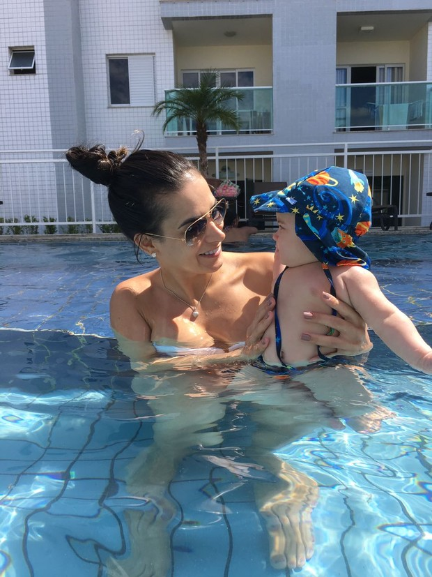 Lucilene Caetano com o filho (Foto: Divulgação/ Destac Assessoria )