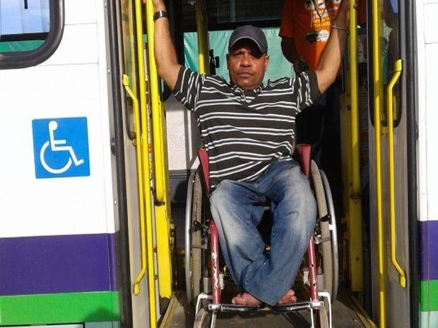 Pessoas com direito à gratuidade devem fazer cadastramento e recadastramento  (Foto: Setransp/Divulgação)