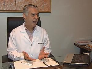 Reumatologista Júlio Rodrigues Horta Filho, especialista em lúpus (Foto: reprodução/TV Tem)