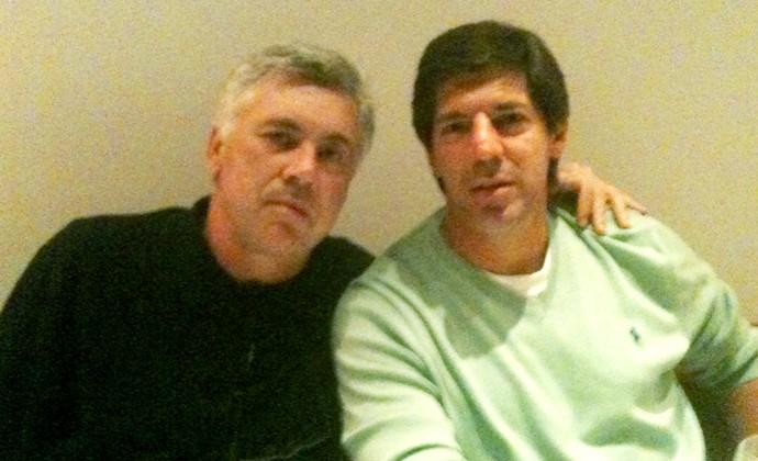 wilson gottardo e carlo ancelotti, técnico do chelsea (Foto: Divulgação)