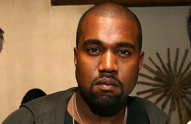 Kanye West, que já se comparou até a Deus, só enxuga o suor do rosto nos shows com toalhas de grife que custam 400 dólares cada — pagas pelos produtores. Além disso, já exigiu que passassem a ferro um tapete vermelho antes que ele adentrasse o estúdio de um programa de TV, e ainda forçou a equipe a refazer todo o cenário da atração. (Foto: Getty Images)