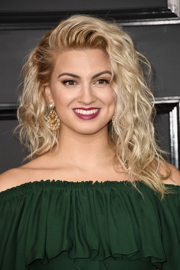 LOS ANGELES, CA - FEBRUARY 12:  Singer Tori Kelly attends The 59th GRAMMY Awards at STAPLES Center on February 12, 2017 in Los Angeles, California.  (Photo by Frazer Harrison/Getty Images) (Foto: Getty Images)