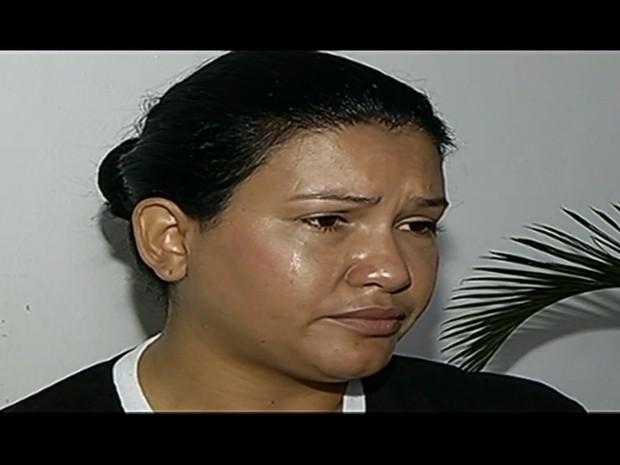 Empresária Angelita Saraiva conta que boato levou a assalto à sua casa em rio Verde Goiás (Foto: Reprodução/TV Anhanguera)